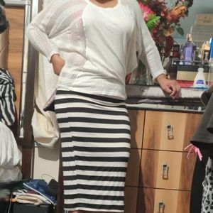 bobeau maxi  skirt black and white stripe size M
